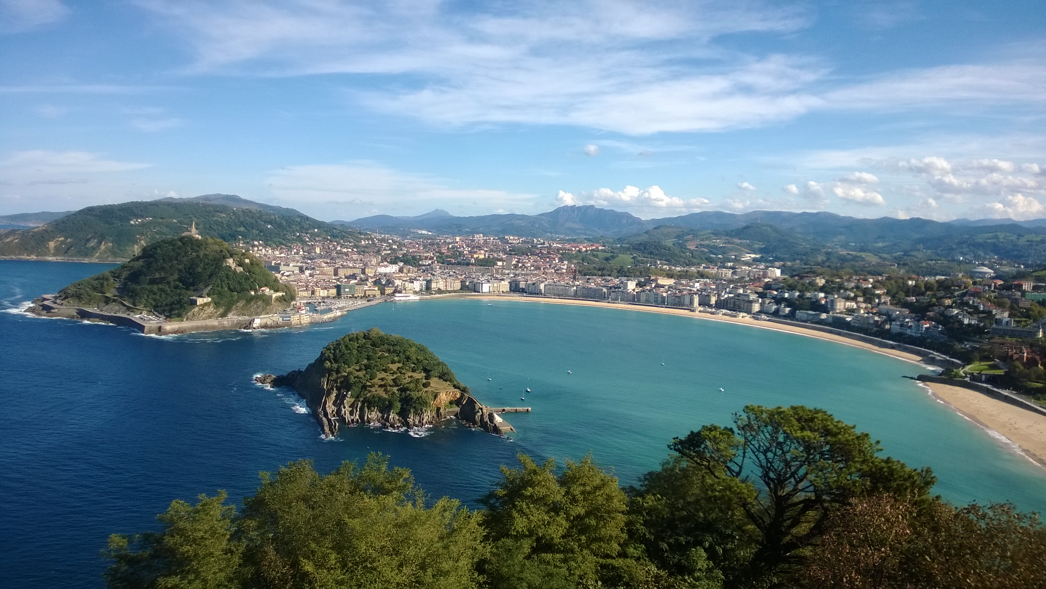 The best pintxo pote route in san sebasti n for Hendaye france